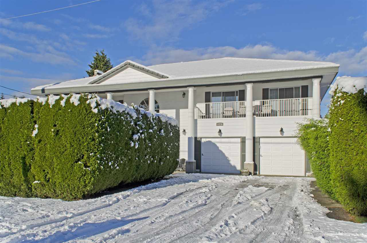 Main Photo: 923 RUNNYMEDE Avenue in Coquitlam: Coquitlam West House for sale : MLS®# R2126854