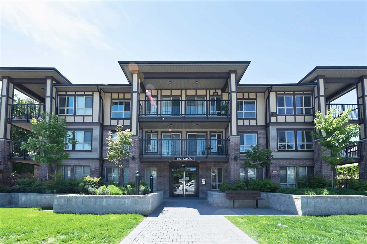 Main Photo: 313 8733 160 Street in Surrey: Fleetwood Tynehead Condo for sale : MLS®# R2169217