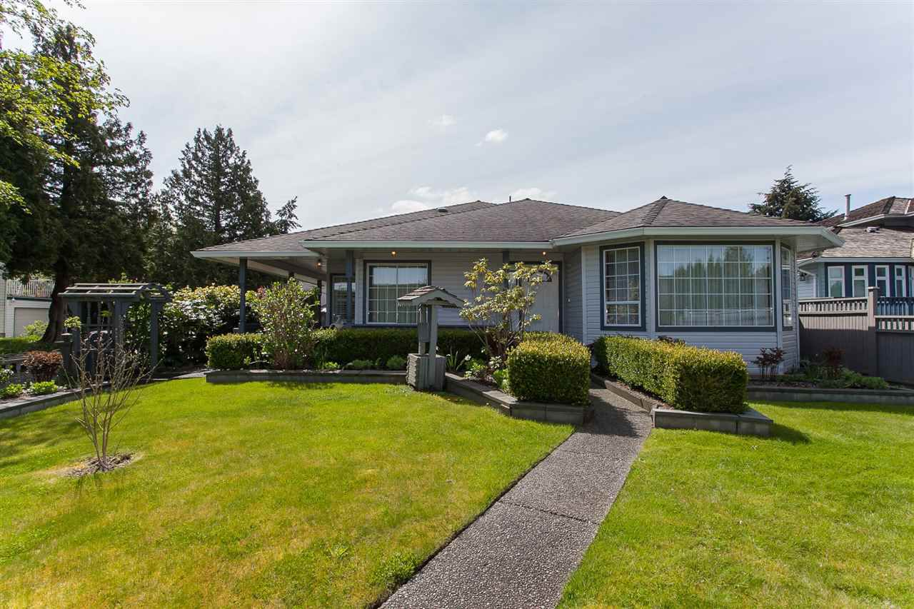Main Photo: 12472 64 AVENUE in Surrey: Panorama Ridge House for sale : MLS®# R2161601