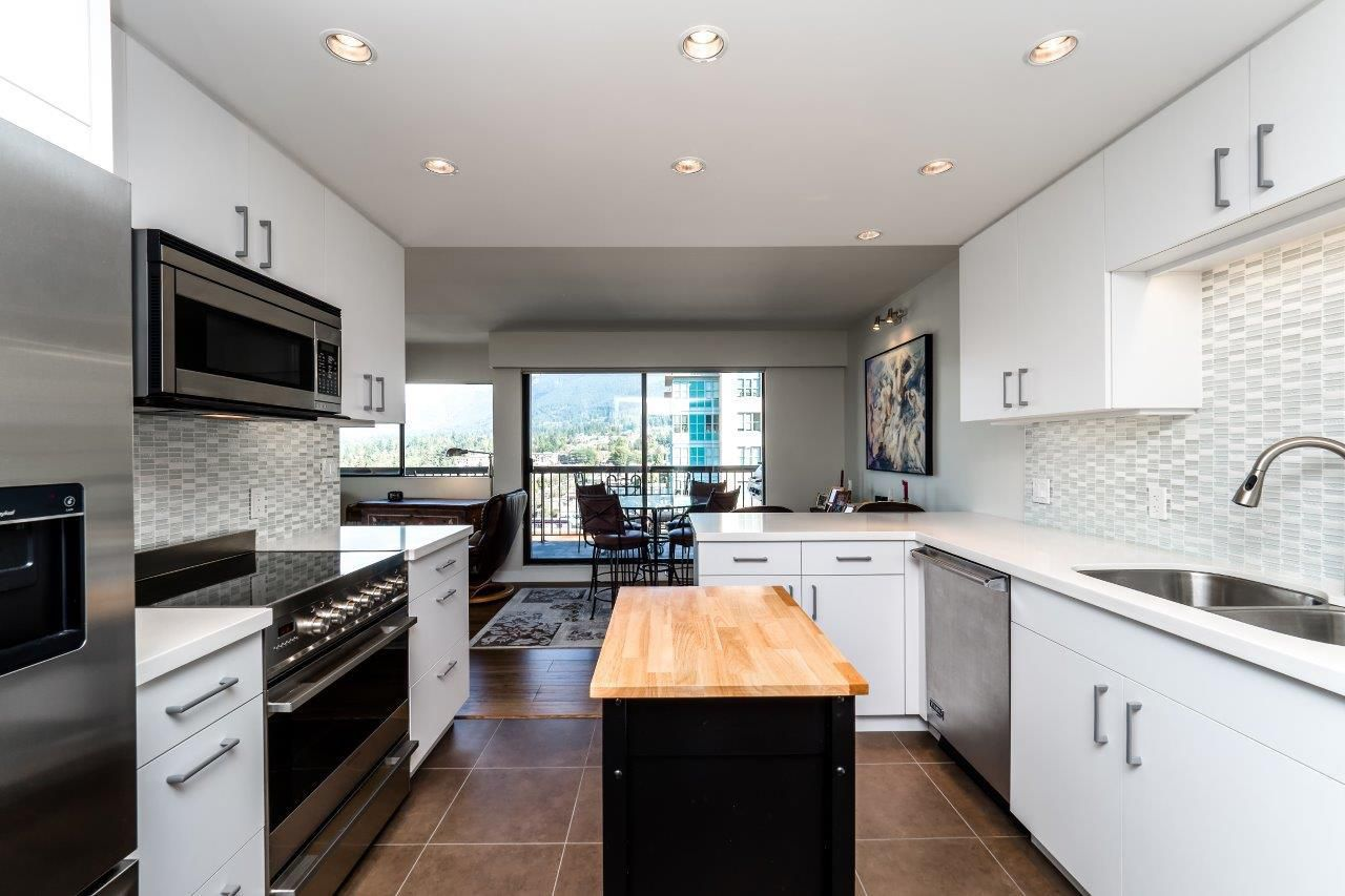 """Main Photo: 1005 1515 EASTERN Avenue in North Vancouver: Central Lonsdale Condo for sale in """"EASTERN HOUSE"""" : MLS®# R2210578"""