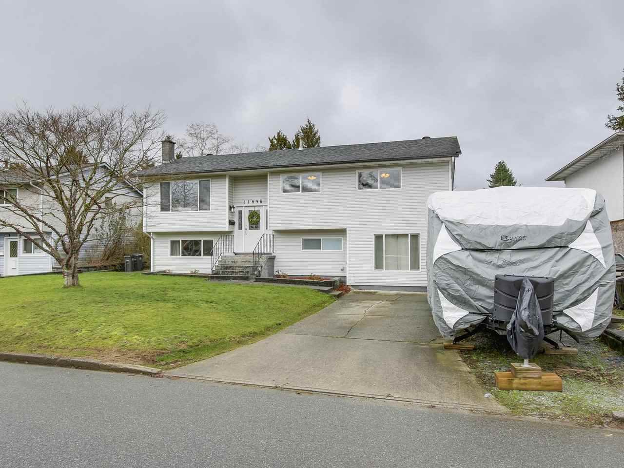 Main Photo: 11898 229 Street in Maple Ridge: East Central House for sale : MLS®# R2237089