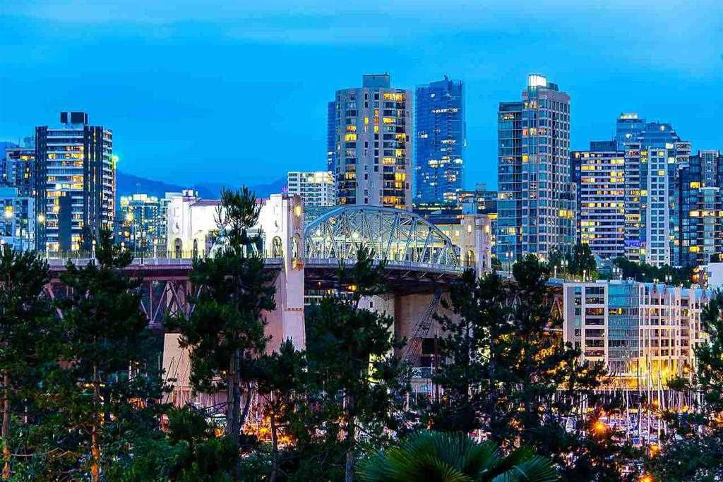 """Main Photo: 306 1490 PENNYFARTHING Drive in Vancouver: False Creek Condo for sale in """"Harbour Cove"""" (Vancouver West)  : MLS®# R2306631"""