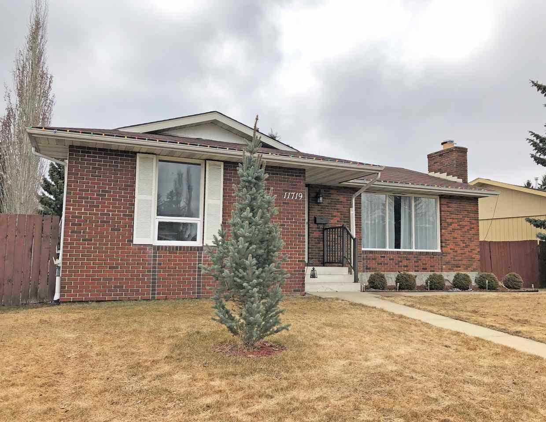 Main Photo: 11719 28 Avenue in Edmonton: Zone 16 House for sale : MLS®# E4152163