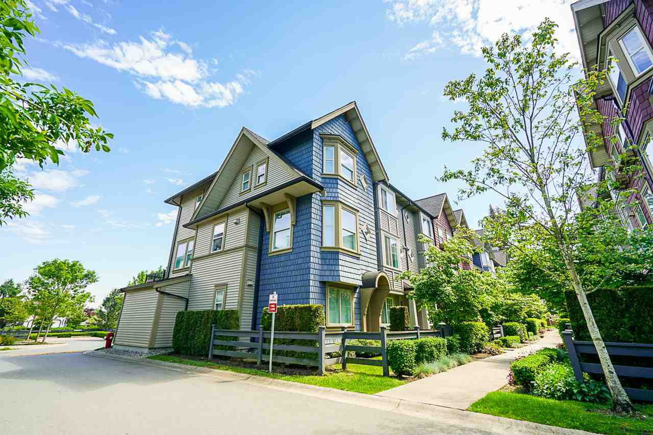 "Main Photo: 21 6450 187 Street in Surrey: Cloverdale BC Townhouse for sale in ""HILLCREST"" (Cloverdale)  : MLS®# R2372931"
