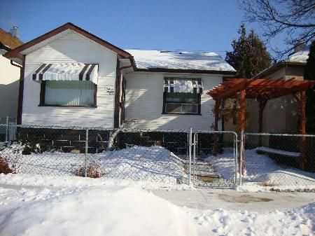 Main Photo: 1623 PACIFIC AVE W.: Residential for sale (Weston)