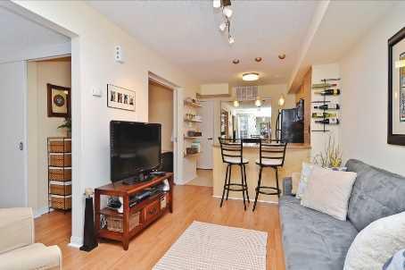 Main Photo: 10 10 Laidlaw Street in Toronto: South Parkdale Condo for sale (Toronto W01)  : MLS®# W2571062
