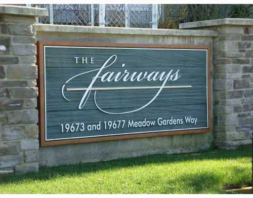 Main Photo: 104 19673 MEADOW GARDENS Way in The Fairways: North Meadows Home for sale ()  : MLS®# V811404