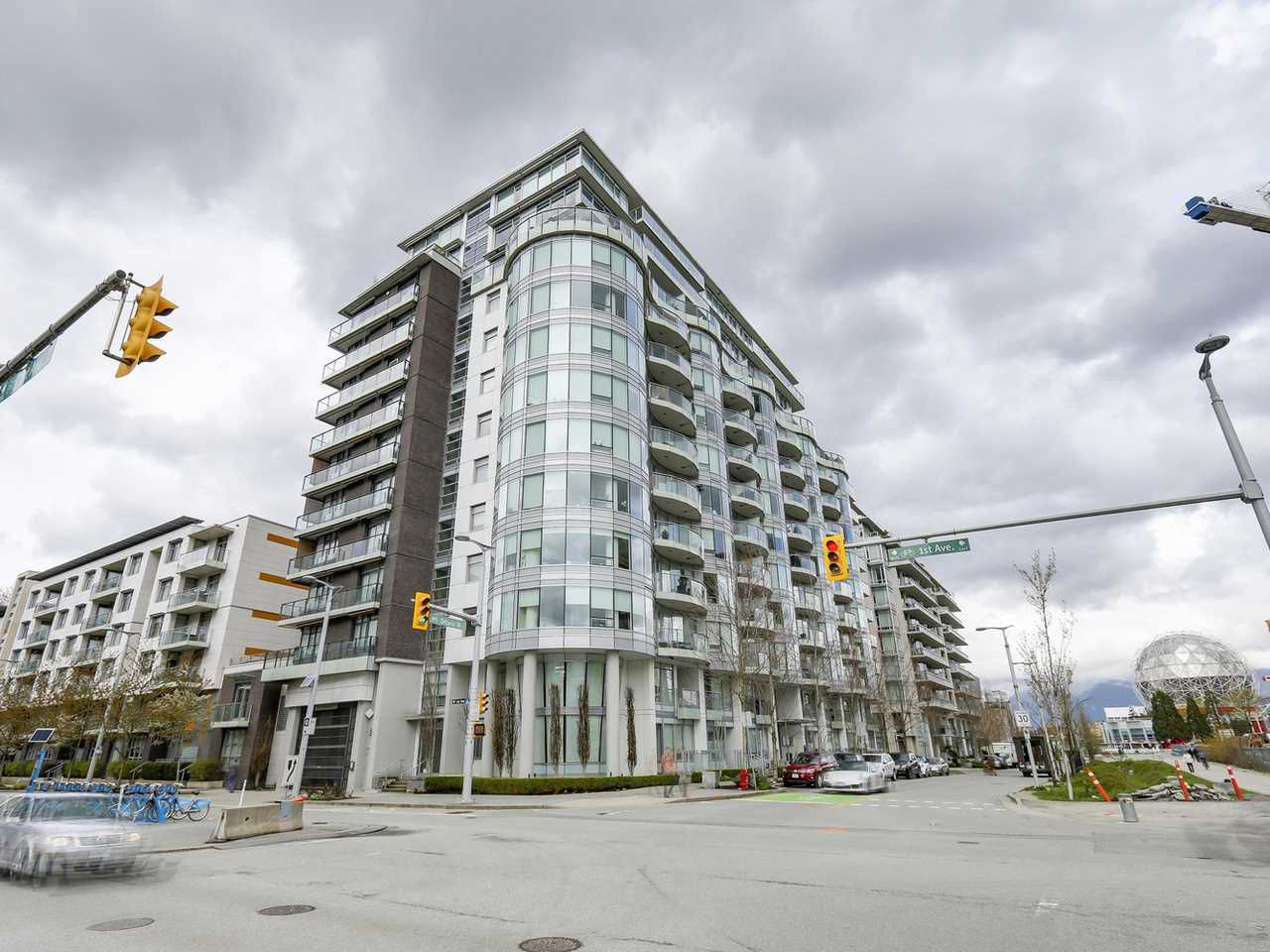 Main Photo: 309 1661 ONTARIO STREET in Vancouver: False Creek Condo for sale (Vancouver West)  : MLS®# R2157053