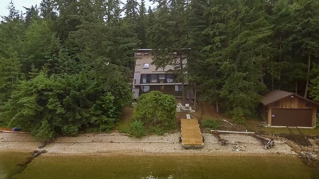 Main Photo: 6293 Armstrong Road: Eagle Bay House for sale (Shuswap Lake)  : MLS®# 10163065
