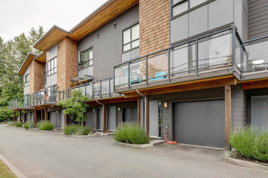Main Photo: 40160 GOVERNMENT ROAD in Squamish: Garibaldi Estates Townhouse for sale : MLS®# R2281164
