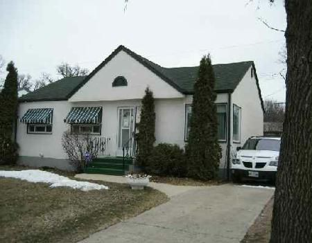 Main Photo: Very cute home in excellent condition!