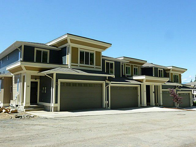 """Main Photo: 27 6026 LINDEMAN Street in Sardis: Promontory Townhouse for sale in """"HILLCREST LANE"""" : MLS®# H1402794"""