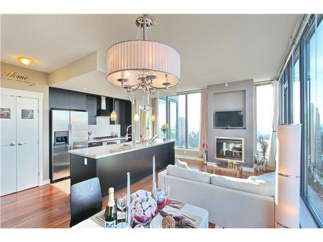 Main Photo: 2702 7088 18 Avenue in Burnaby: Edmonds BE Condo for sale (Burnaby East)  : MLS®# V1085141