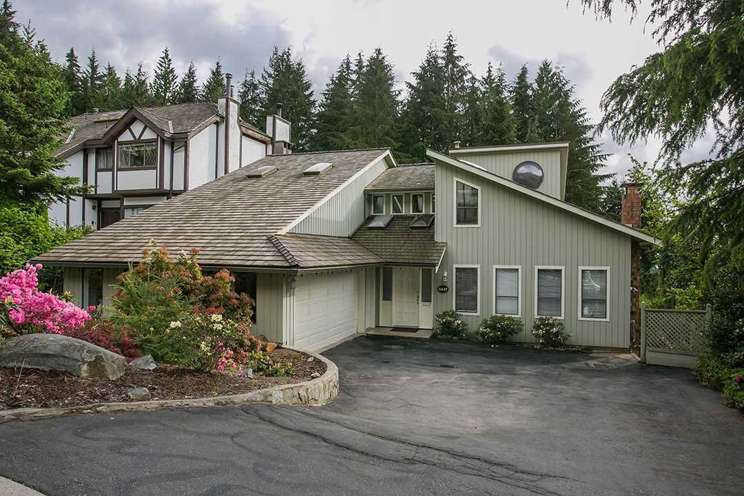 Main Photo: 5417 MOLINA CRESCENT in North Vancouver: Canyon Heights NV House for sale : MLS®# R2061256