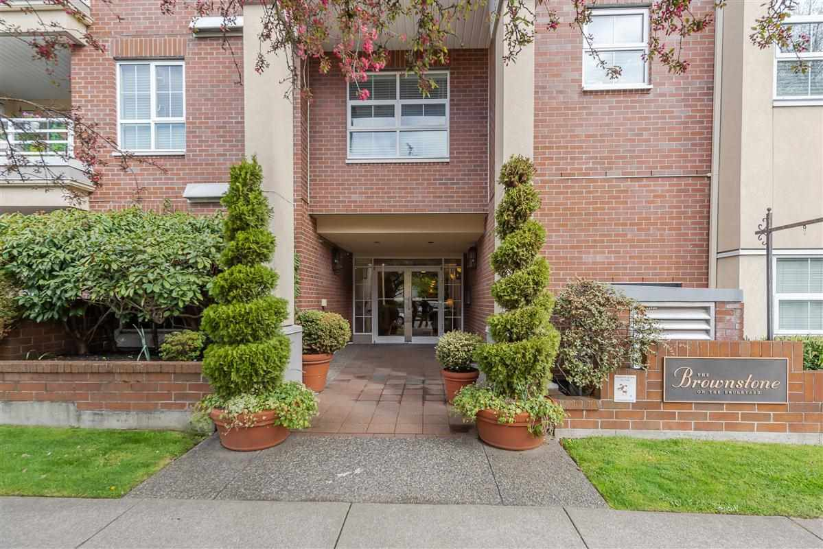 Main Photo: 414 2105 W 42ND AVENUE in Vancouver: Kerrisdale Condo for sale (Vancouver West)  : MLS®# R2356493