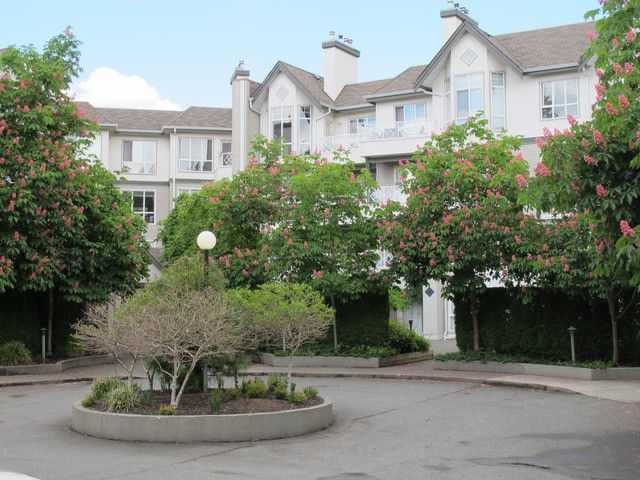 Main Photo: 219 9979 140TH Street in Surrey: Whalley Condo for sale (North Surrey)  : MLS®# F1312016