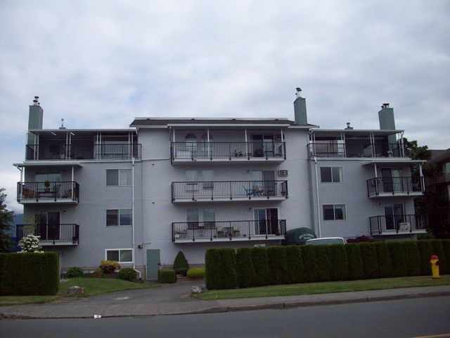 Main Photo: # 205 46033 CHILLIWACK CENTRAL RD in Chilliwack: Chilliwack E Young-Yale Condo for sale : MLS®# H2152226