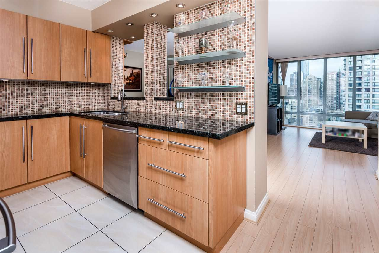 Main Photo: 1805 950 CAMBIE STREET in Vancouver: Yaletown Condo for sale (Vancouver West)  : MLS®# R2048397
