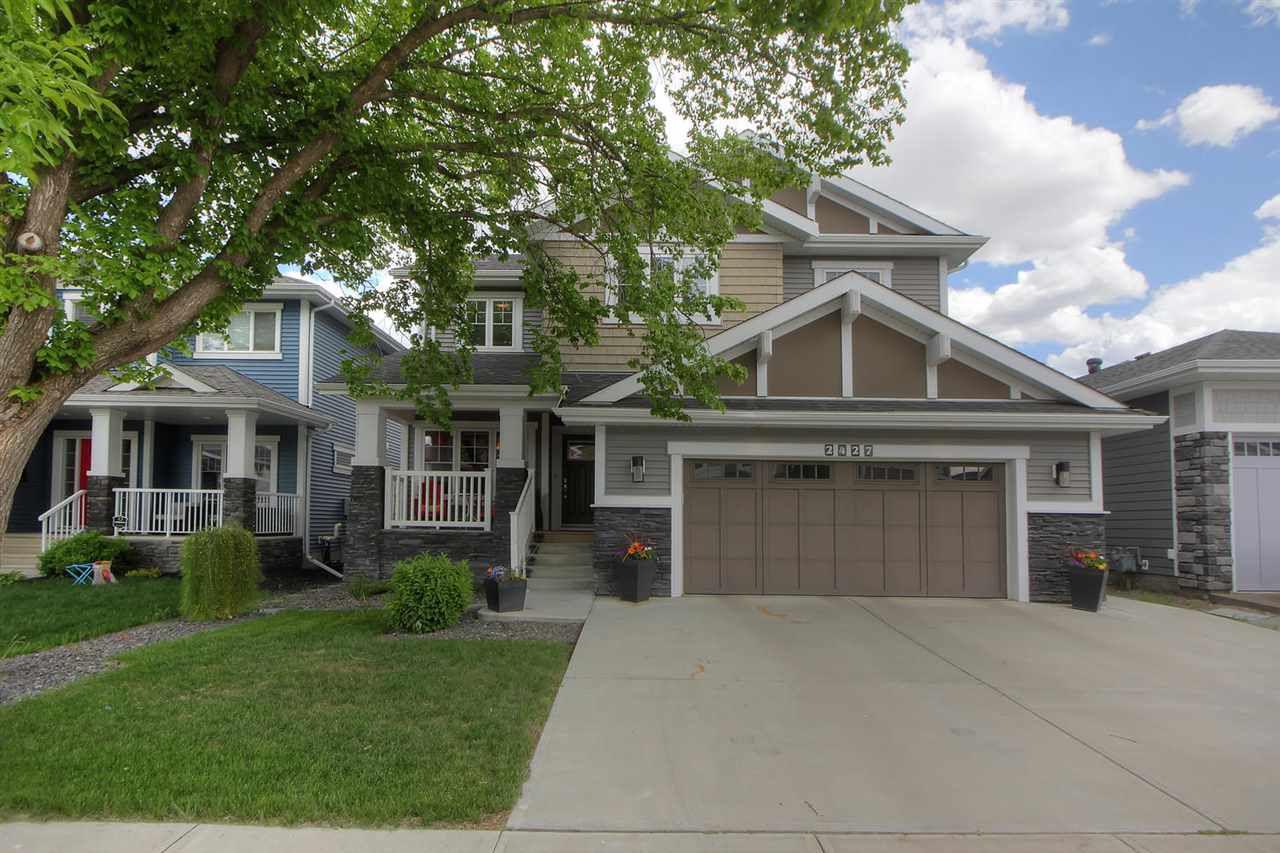 Main Photo: 2427 SAN FORTUNATO ST NW in Edmonton: Zone 27 House for sale : MLS®# E4160528