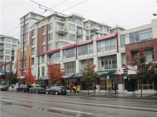 Main Photo: 323 2268 West Broadway in Vancouver: Kitsilano Condo for sale (Vancouver West)  : MLS®# V992681