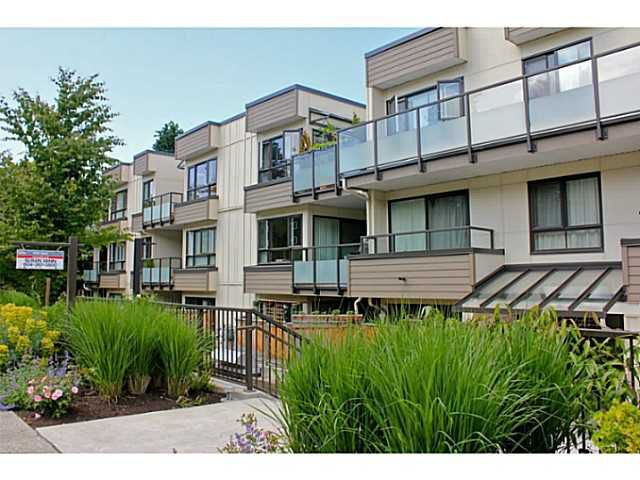 """Main Photo: 104 621 E 6TH Avenue in Vancouver: Mount Pleasant VE Condo for sale in """"FAIRMONT PLACE"""" (Vancouver East)  : MLS®# V1077176"""
