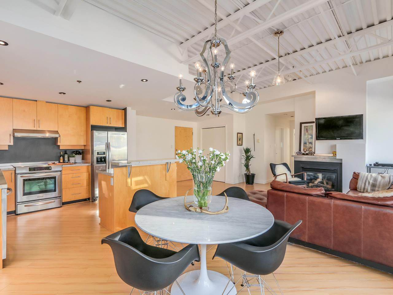 Main Photo: 511 549 COLUMBIA STREET in New Westminster: Downtown NW Condo for sale : MLS®# R2129468