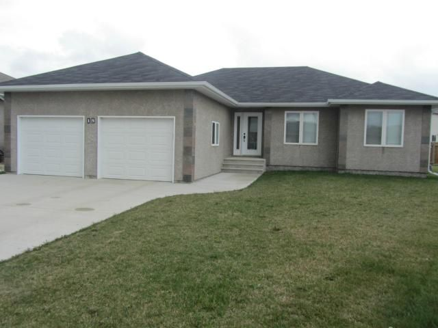 Main Photo: 15 ANDOVER Place in NIVERVILLE: Glenlea / Ste. Agathe / St. Adolphe / Grande Pointe / Ile des Chenes / Vermette / Niverville Residential for sale (Winnipeg area)  : MLS®# 1209114