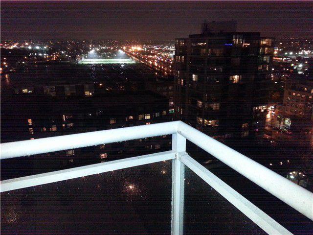 Main Photo: # 1503 120 MILROSS AV in Vancouver: Mount Pleasant VE Condo for sale (Vancouver East)  : MLS®# V1101656