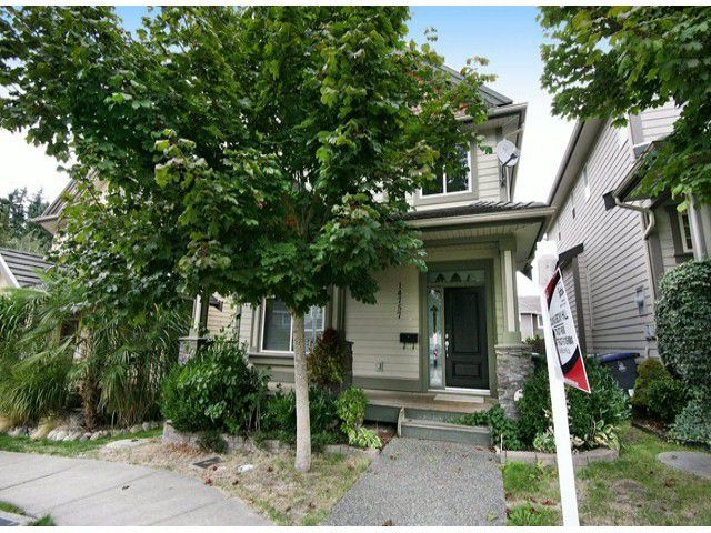 Main Photo: 14757 34A AV in Surrey: King George Corridor House for sale (South Surrey White Rock)  : MLS®# F1421355