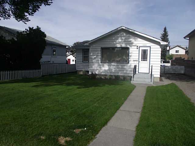 Main Photo: 1430 43 Street SW in CALGARY: Rosscarrock Residential Detached Single Family for sale (Calgary)  : MLS®# C3525905