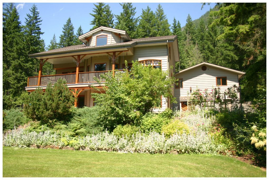 Main Photo: 3841 Turner Road: Tappen House for sale (Shuswap)  : MLS®# 10095484