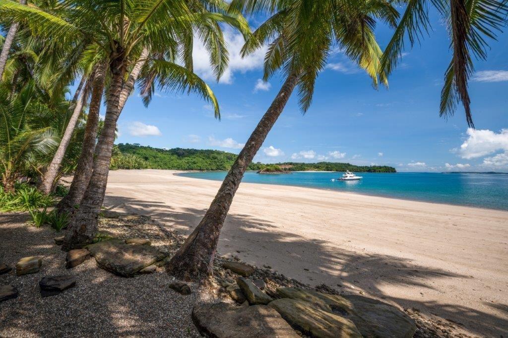 Main Photo: Land on Pearl Island, Panama