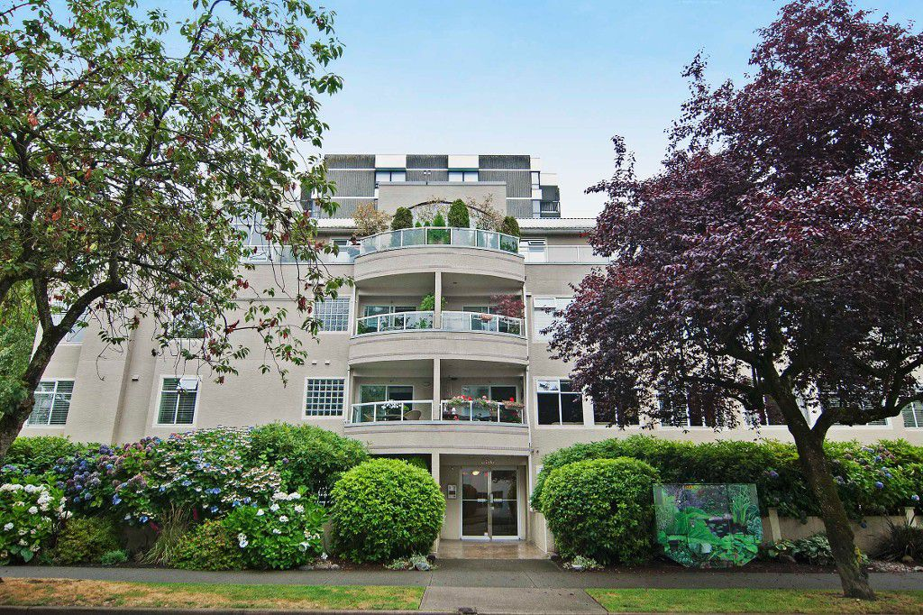 Main Photo: PH2 950 BIDWELL Street in Vancouver: West End VW Condo for sale (Vancouver West)  : MLS®# V1080593