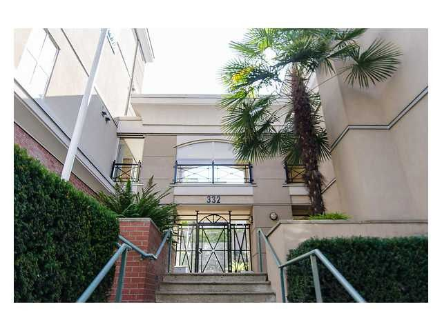 """Main Photo: # 418 332 LONSDALE AV in North Vancouver: Lower Lonsdale Condo for sale in """"The Calypso"""" : MLS®# V1010793"""