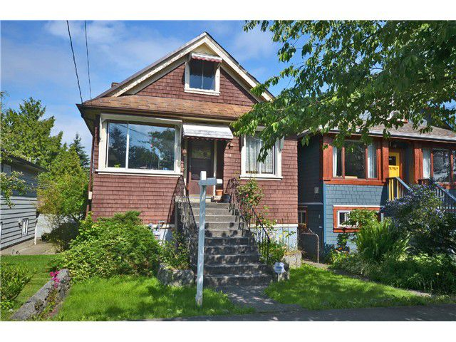 """Main Photo: 1948 TEMPLETON Drive in Vancouver: Grandview VE House for sale in """"Commercial Drive"""" (Vancouver East)  : MLS®# V1013268"""