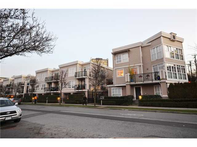 """Main Photo: 652 W 7TH Avenue in Vancouver: Fairview VW Condo for sale in """"LIBERTE"""" (Vancouver West)  : MLS®# V929345"""