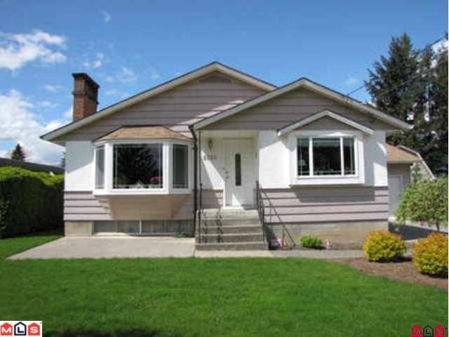 Main Photo: 9295 MCNAUGHT Road in Chilliwack: Chilliwack E Young-Yale House for sale : MLS®# H1202048