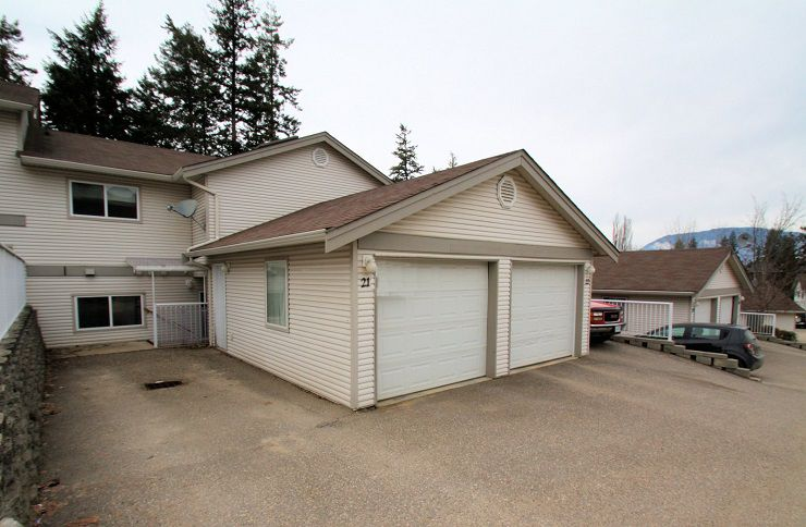Main Photo: 21 171 Southeast 17 Street in Salmon Arm: Bayview House for sale (SE Salmon Arm)  : MLS®# 10126335