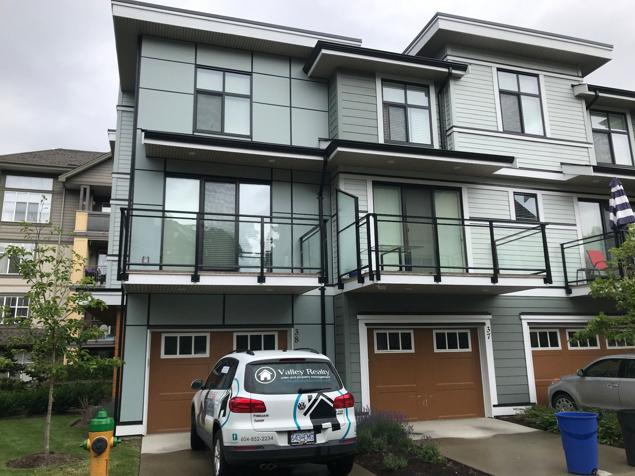 Main Photo: #38 45615 Tamihi Way in Chilliwack: Garrison Crossing Townhouse for rent