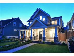 Main Photo: 260 18th Avenue in North Vancouver: Central Lonsdale House Duplex for sale : MLS®# V1022029