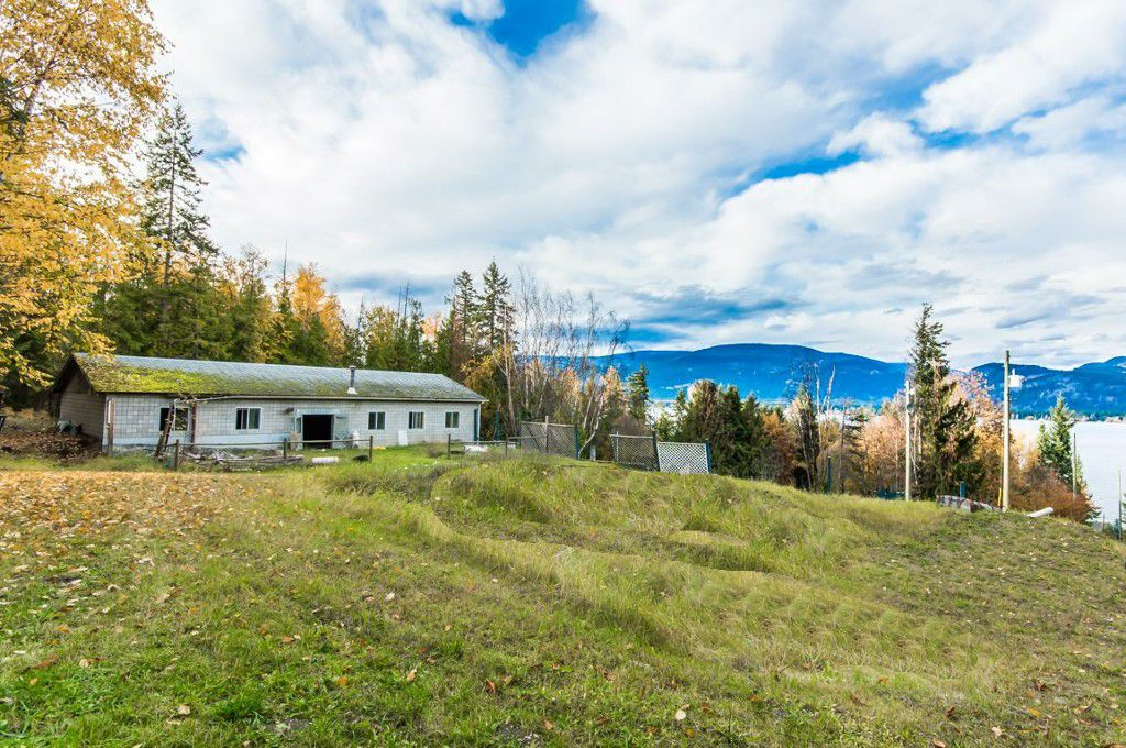 Main Photo: 1546 Blind Bay Road in Blind Bay: Vacant Land for sale : MLS®# 10125568