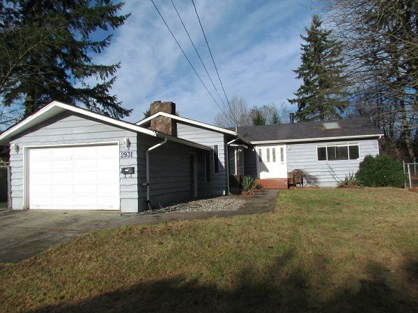 Main Photo: 2931 Old Clayburn Road in Abotsford: Abbotsford East House for rent (Abbotsford)