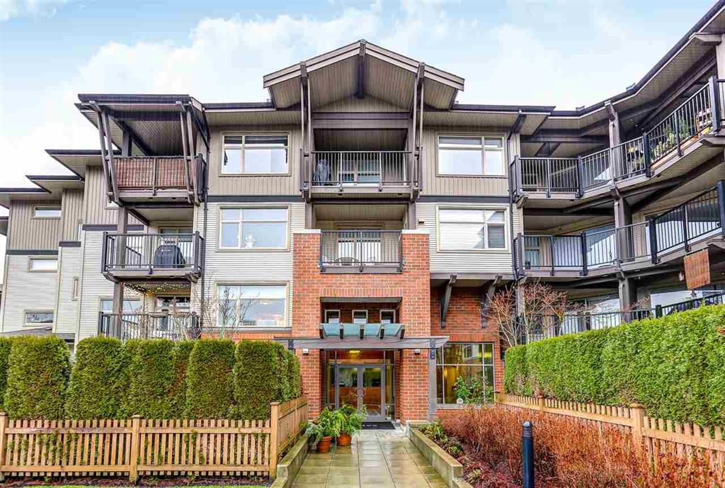 Main Photo: 310 400 Klahanie Drive in Port Moody: Port Moody Centre Condo for sale : MLS®# R2024592