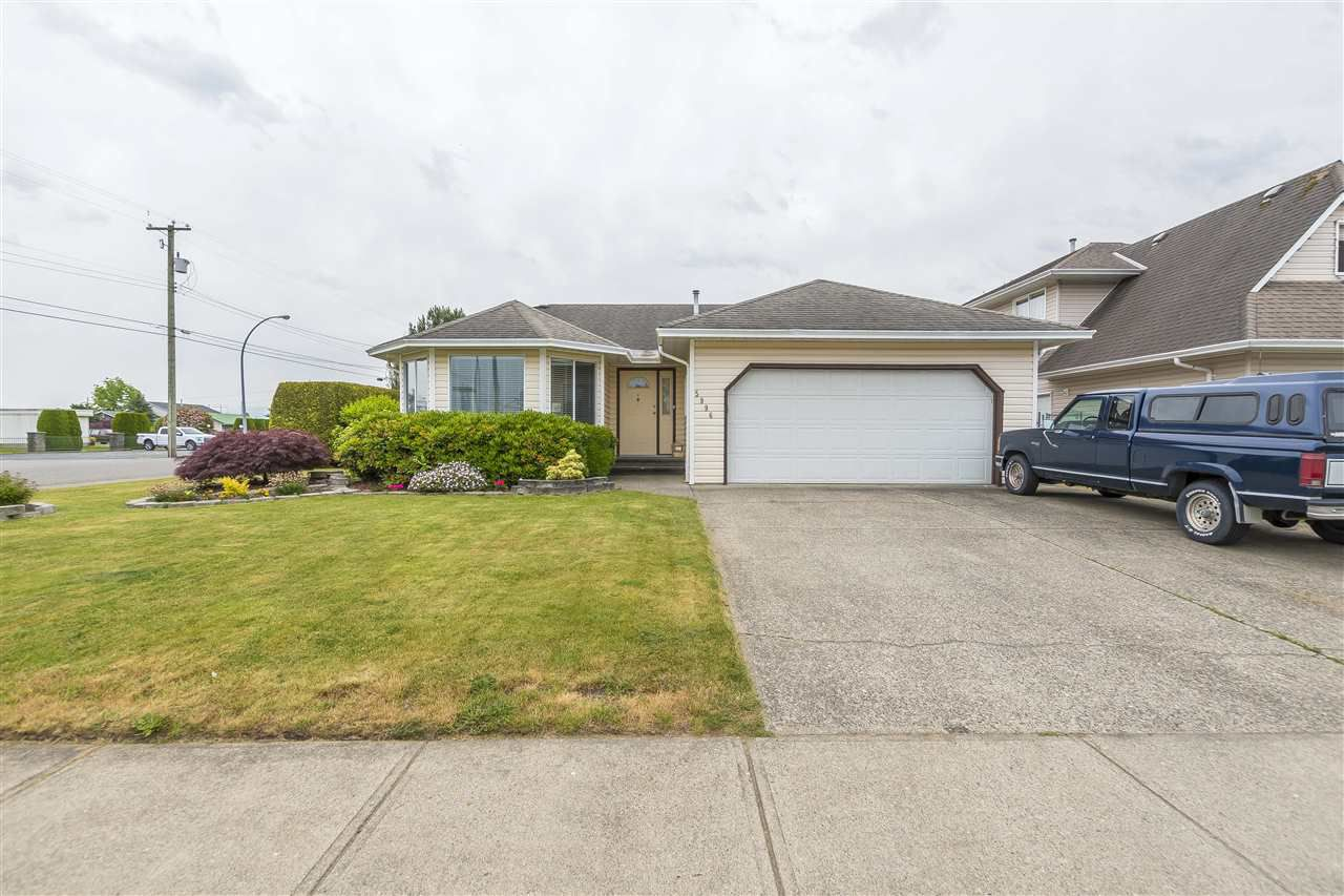 Main Photo: 5996 DEERFIELD CRESCENT in Sardis: Vedder S Watson-Promontory House for sale : MLS®# R2294493