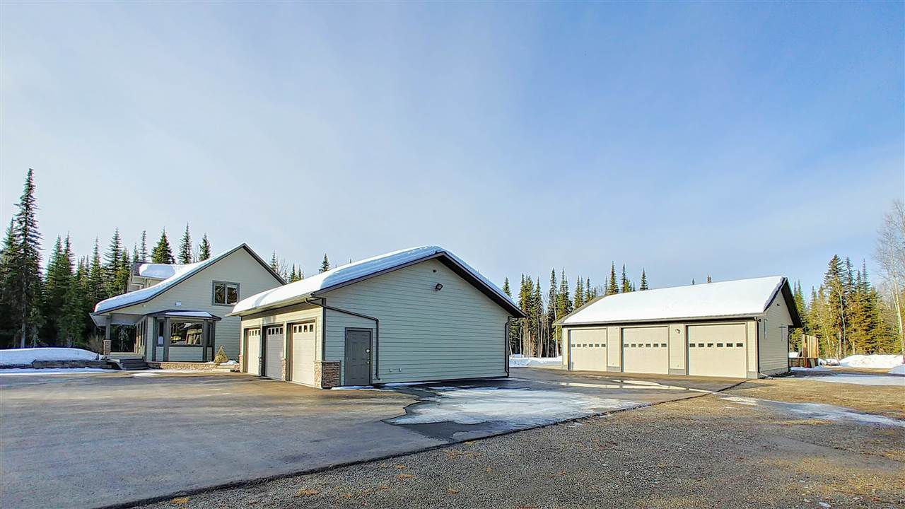 Main Photo: 9145 MOUNTAINVIEW ROAD in : Chief Lake Road House for sale : MLS®# R2351694