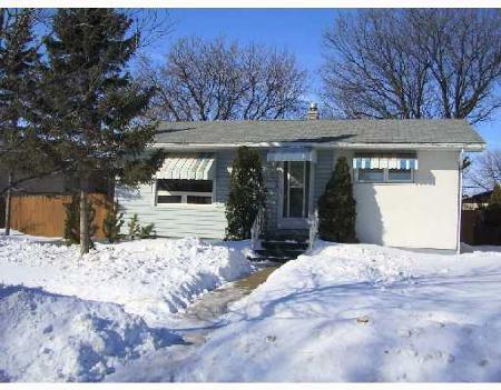Main Photo: 12 ARROW ST.: Residential for sale (Tyndall Park)  : MLS®# 2803097