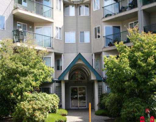 "Main Photo: 404 31771 PEARDONVILLE RD in Abbotsford: Abbotsford West Condo for sale in ""BRECHENRIDGE ESTATES"" : MLS®# F2612041"