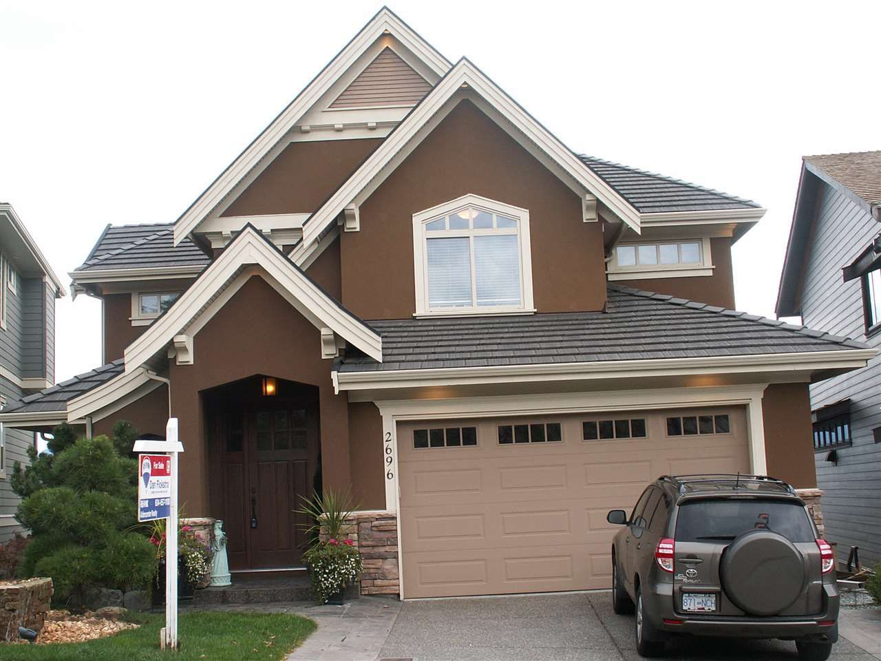 Main Photo: 2696 MAHOGANY DRIVE in Abbotsford: Abbotsford East House for sale : MLS®# R2005873