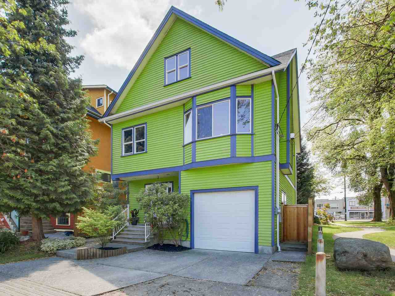 Main Photo: 600 E 14TH AVENUE in Vancouver: Mount Pleasant VE House for sale (Vancouver East)  : MLS®# R2074713