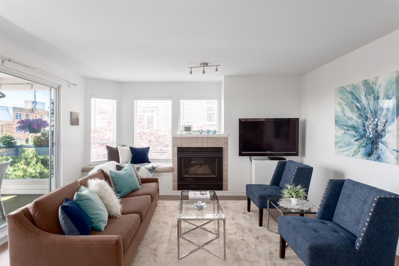 Main Photo: 206 123 E 6TH STREET in North Vancouver: Lower Lonsdale Condo for sale : MLS®# R2272718